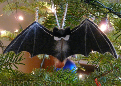 bat-ornament